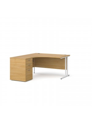 Maestro 25 WL left hand ergonomic desk 1400mm with white cantilever frame and desk high pedestal - oak
