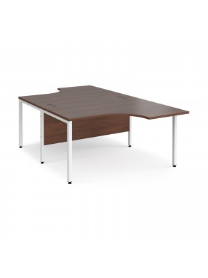 Maestro 25 back to back ergonomic desks 1400mm deep - white bench leg frame, walnut top