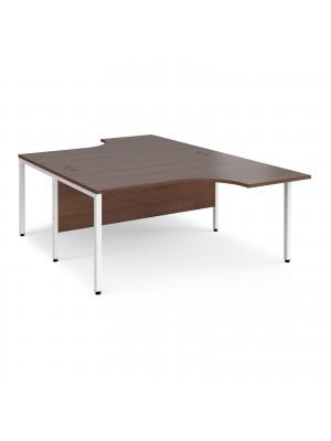 Maestro 25 back to back ergonomic desks 1600mm deep - white bench leg frame, walnut top