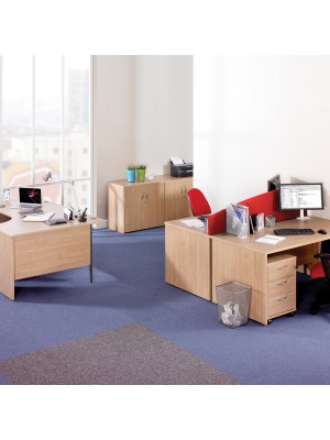 Maestro 25 PL left hand ergonomic desk 1400mm - beech panel leg design
