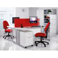 Momento right hand ergonomic desk 1400mm - silver cantilever frame, white top