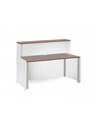 Welcome reception unit with Adapt single desk 1662mm - walnut and white