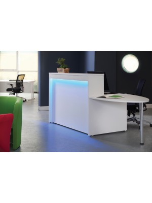 Welcome reception unit with Adapt single desk 1462mm - beech and white